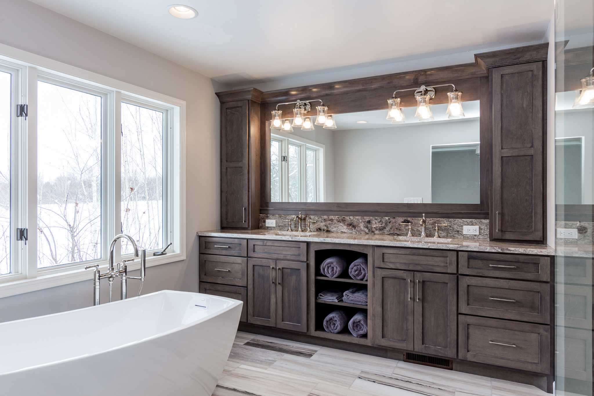 Bathroom Swita Cabinetry